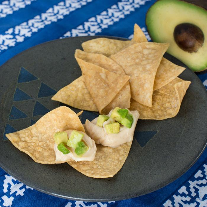 Chips de tortillas à l'avocat